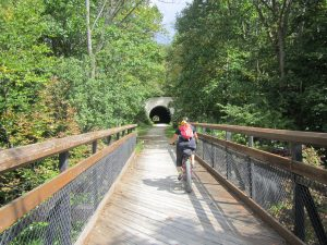 Great Allegheny Passage,, Bridges and tunnels