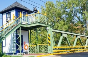 Erie Canalway, Holley lift bridge house
